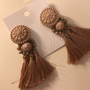 // h&m triple tassel statement earrings //